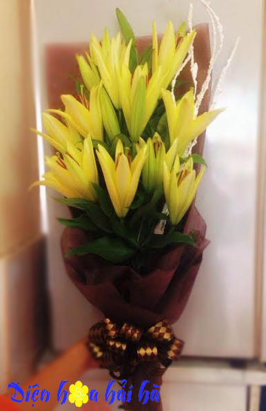 Bó hoa ly vàng