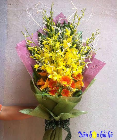 Bó hoa lan vàng và đồng tiền đẹp