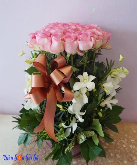 Giỏ hoa hồng phấn