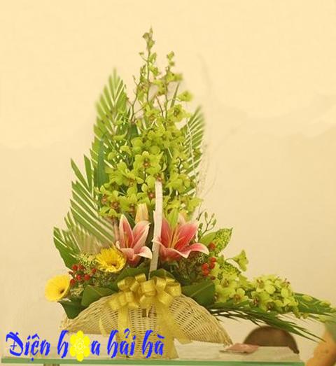 Giỏ hoa lan xanh đẹp
