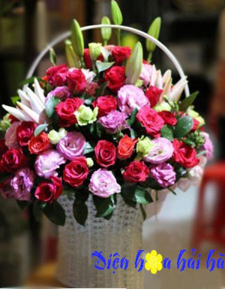 Giỏ hoa nhiều mầu đẹp