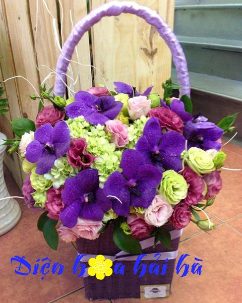 Giỏ hoa nhiều mầu tặng bạn