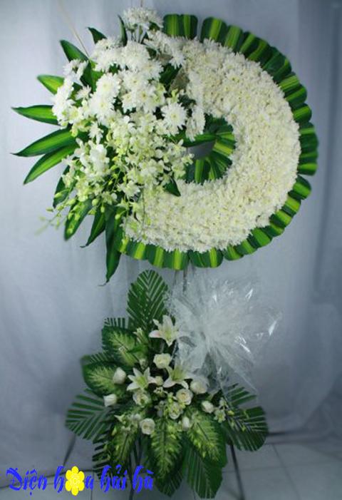 Vòng hoa chia buồn hoa cúc trắng
