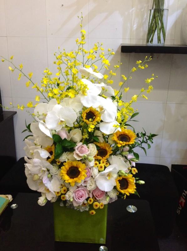 Giỏ hoa tặng nam giới mẫu 23