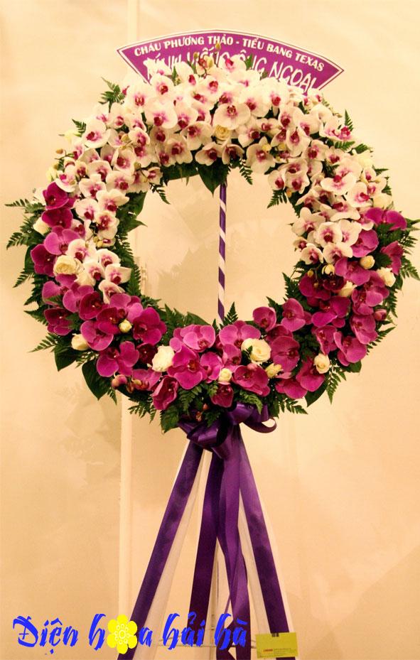 Vòng hoa chia buồn sang trọng
