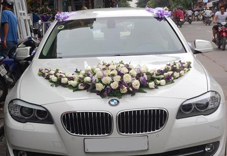 Xe hoa hồng trắng sang trọng