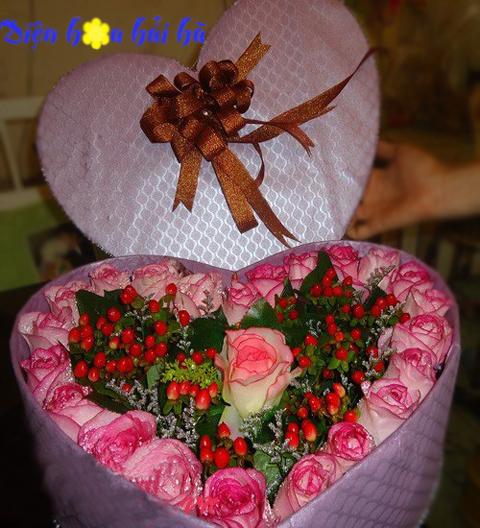 Hộp hoa hồng song hỷ