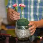 Hướng dẫn cách cắm một bình hoa tặng Mẹ