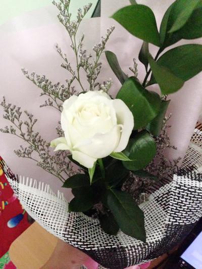 Hoa hồng trắng Điện hoa Hải Hà