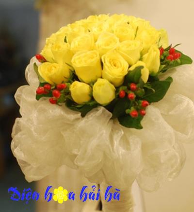 Bó hoa hồng vàng điệu đà