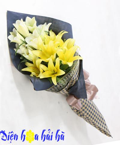 Bó hoa ly vàng và loa kèn đẹp