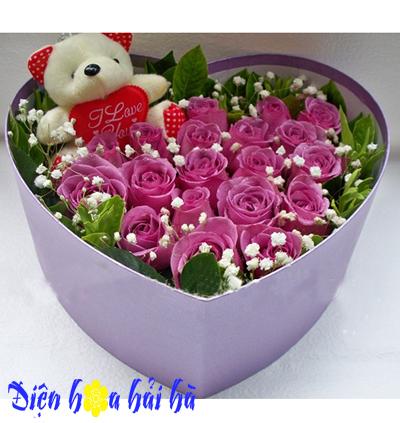 Hộp hoa hồng tím tặng bạn gái