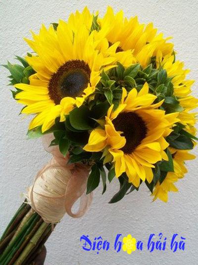 Bó hoa cưới bằng hướng dương