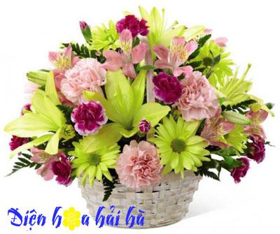 Giỏ hoa ly vàng cẩm chướng