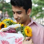 Cách tặng hoa cho nam giới phù hợp nhất