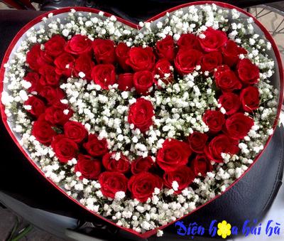 Hộp hoa kỷ niệm ngày cưới năm thứ 15