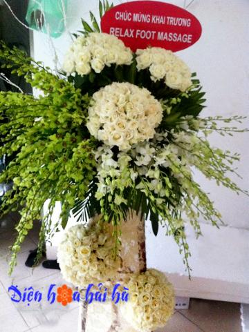 Lẵng hoa chúc mừng đám cưới sang trọng