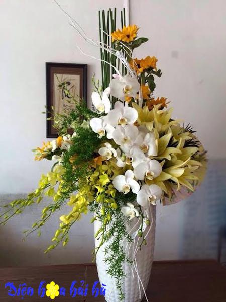 Bình hoa sang trọng