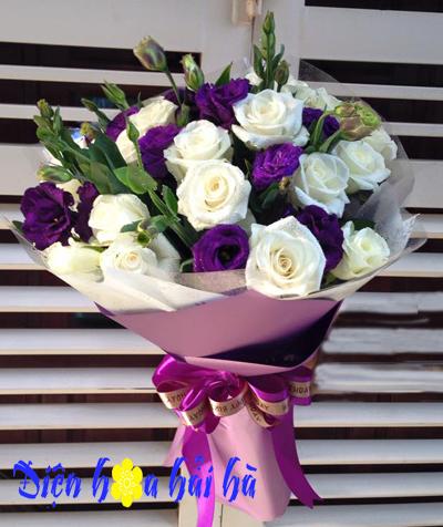 Bó hoa kỷ niệm ngày cưới mẫu 18