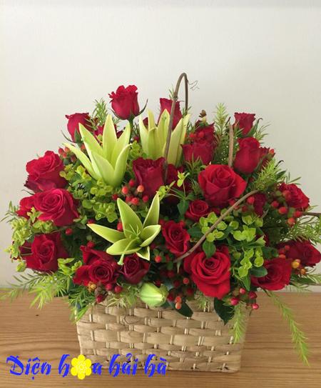 Giỏ hoa chúc mừng hoa hồng đỏ, hoa lily