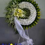 Ý nghĩa mầu hoa trắng trong vòng hoa tang lễ