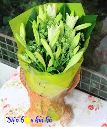 Bó hoa loa kèn mẫu 6