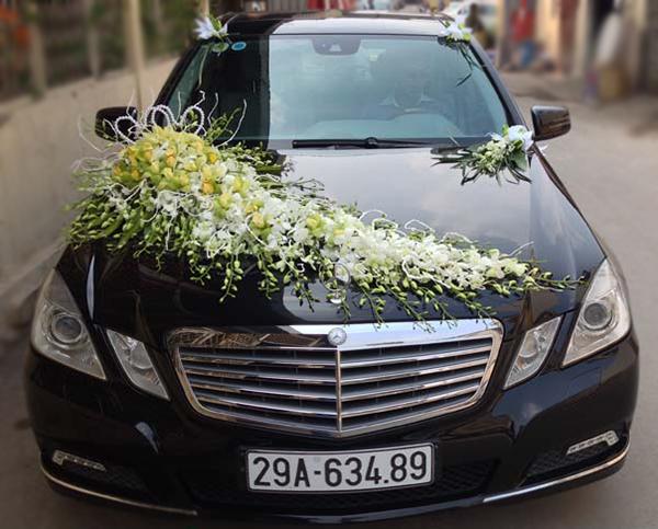 Mẫu xe hoa cô dâu đẹp lan trắng địa lan