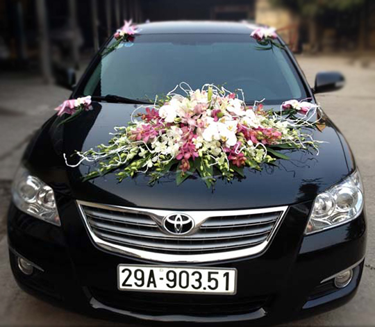 Mẫu xe hoa cưới đẹp lan hồng trắng