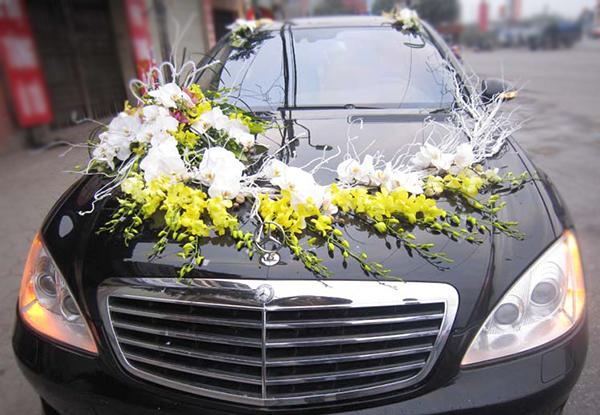 Xe hoa ngày cưới lan vàng hồ điệp