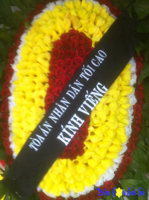 Vòng hoa viếng đám tang truyền thống giá rẻ nhất Hà Nội