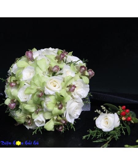 Bó hoa cầm tay cô dâu hồng trắng lan xanh