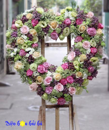 Lẵng hoa chúc mừng đám cưới phong cách Tây