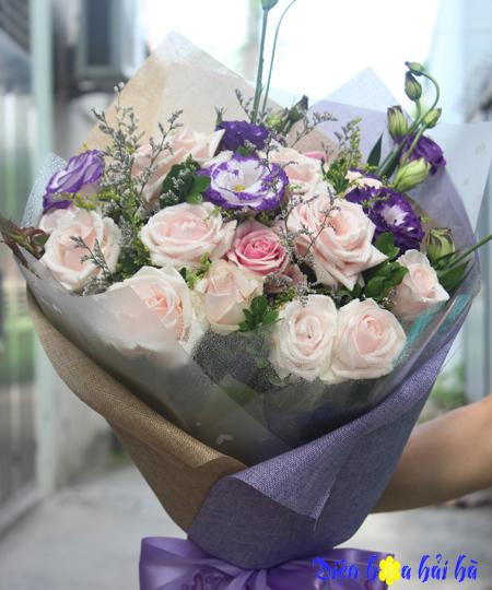Bó hoa chúc mừng 20-10 cát tường tím hồng phấn