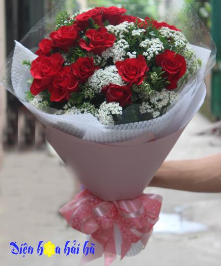 Bó hoa 8/3 hoa hồng đỏ mimi trắng
