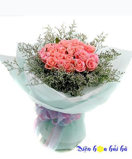 Bó hoa 8/3 hoa hồng phấn đẹp kèm gấu xinh xắn