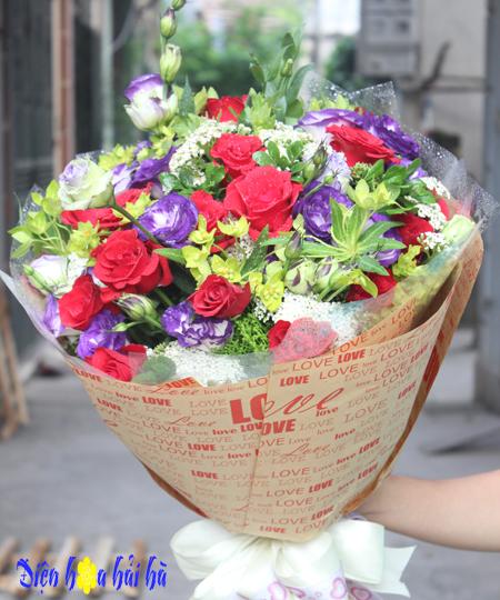 Bó hoa 8/3 hoa hồng đỏ cát tường tím