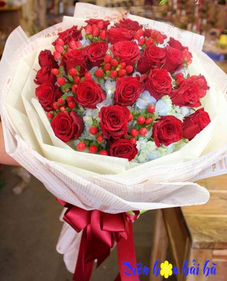 Bó hoa chúc mừng 20-10 hoa hồng đỏ mắt ngọc