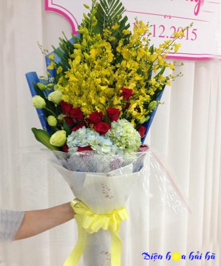 Bó hoa chúc mừng ngày 20/10 hoa lan vữ nữ