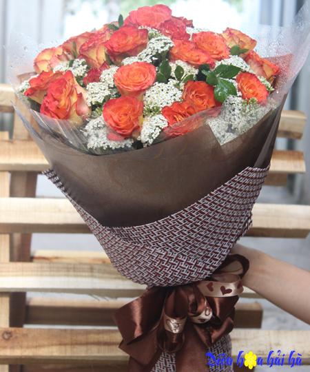 Bó hoa chúc mừng 20-10 hoa vàng viền