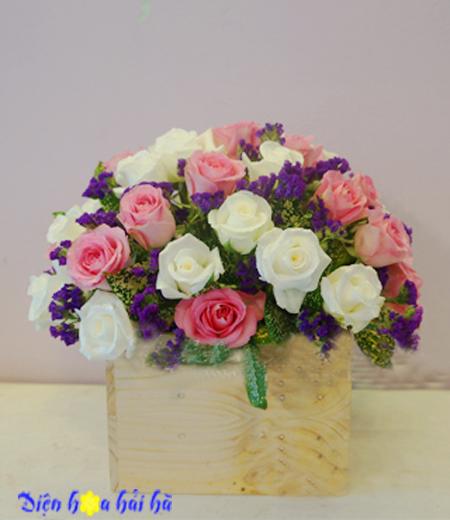 Giỏ hoa chúc mừng ngày 20-10 hồng trắng hồng sen