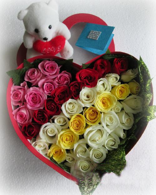 Hộp hoa valentine 4 mùa thương nhớ
