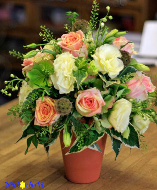 Tặng kèm bát hoa phòng tân hôn