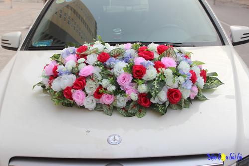 Bán hoa giả trang trí xe cô dâu mẫu 2017