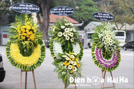 Đặt vòng hoa tang lễ tại Hà Nội hoa lan tím trắng