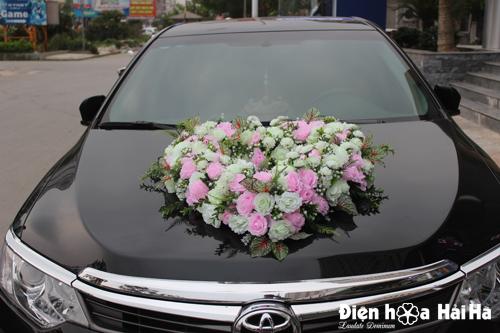 Địa chỉ bán hoa giả trang trí xe cưới hình trái tim hồng phấn hồng trắng