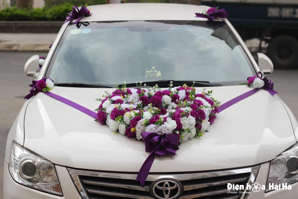 Mua hoa giả trang trí xe cô dâu hình trái tim hồng tím hồng trắng