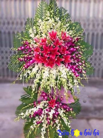 Đặt lẵng hoa chúc mừng kỷ niệm ngày thành lập lan trắng ly hồng