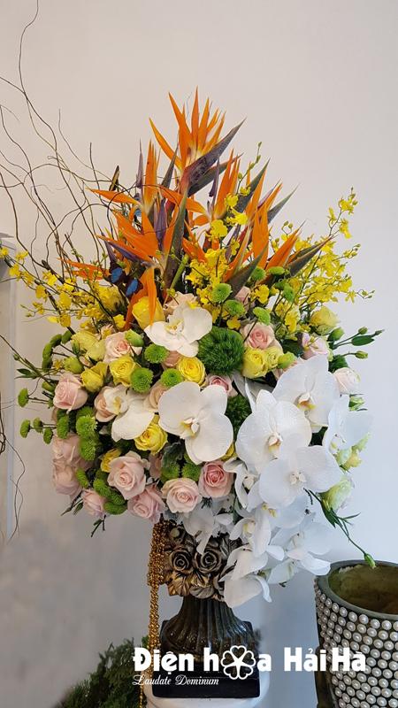 Bình hoa đẹp ngày 20/11 VIP
