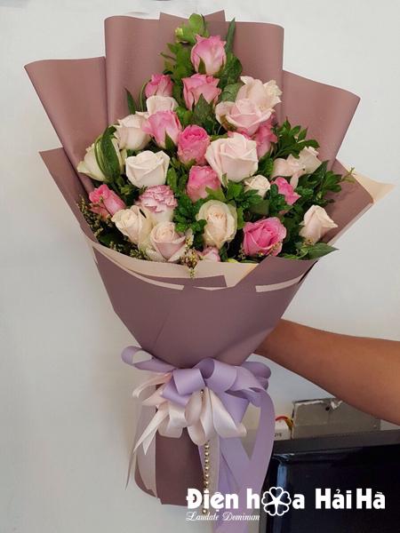Bó hoa tặng cô ngày 20/11 hoa hồng kem hồng sen