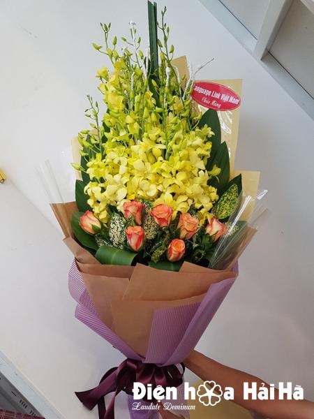 Bó hoa chúc mừng ngày 20/10 hoa lan vàng hồng